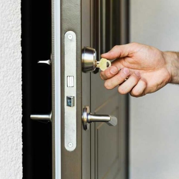 We-offer-immediate-house-lockout-responses